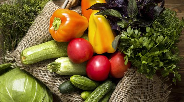 Entrega-de-verduras Moradores da zona rural de Monteiro recebem verduras e hortaliças distribuídas pela Secretaria de Desenvolvimento Social