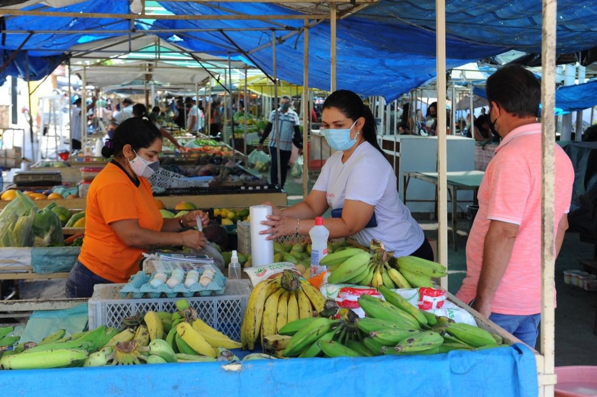 Feira-Livre_Verduras Feiras Livres serão antecipadas nas próximas duas semanas em Monteiro