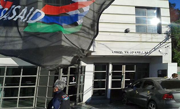Los agremiados al SAT se manifestaron frente al edificio de Canal 2 en Caleta Olivia - Foto: OPI Santa Cruz