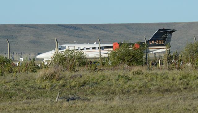 El avión de Lázaro Báez en Río Gallegos LV-ZSZ - Foto: OPI Santa Cruz/Francisco Muñoz