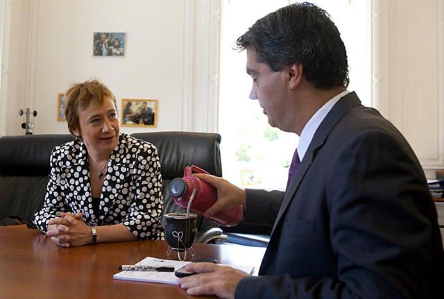 El Jefe de Gabinete Jorge Capitanich reunido con Fabiana Ríos Gobernadora de Tierra del Fuego - Foto: Prensa Ministerio