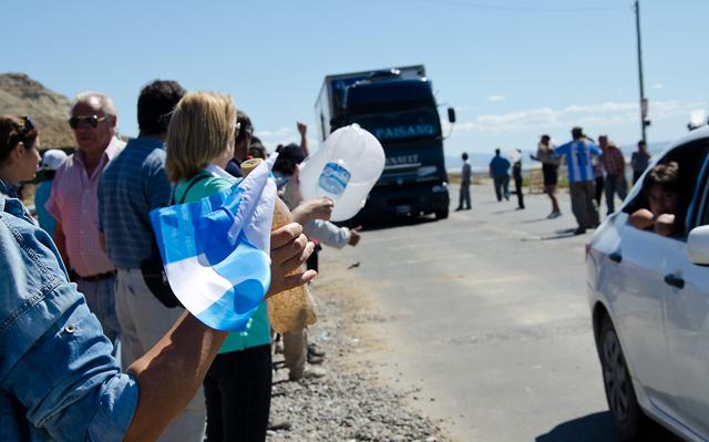 Los manifestantes en el corte de la ruta Nº 3 - Foto archivo : OPI Santa Cruz/Daniel Bustos