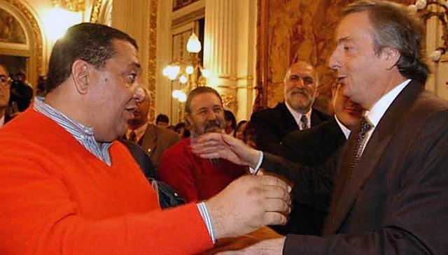 Luis D`Elía junto a Néstor Kirchner - Foto: