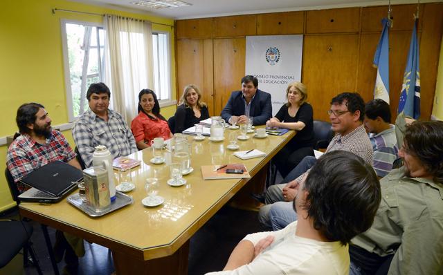 La reunión paritaria entre Adosac y Amet, con el ejecutivo - Foto: OPI Santa Cruz/Francisco Muñoz