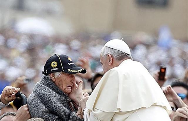 Sorpresivo y audaz gesto del Papa para acercar a israelíes y palestinos