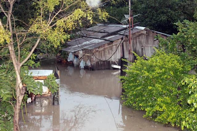 Formosa: creció el río y la inundación dejó dos muertos
