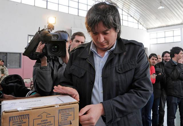 Máximo Kirchner vota en Río Gallegos - Foto: OPI Santa Cruz/Francisco Muñoz