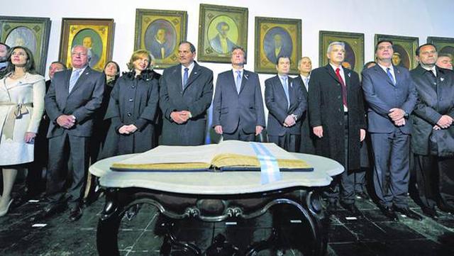 Cuestionado, Boudou encabezó una fría ceremonia en Tucumán