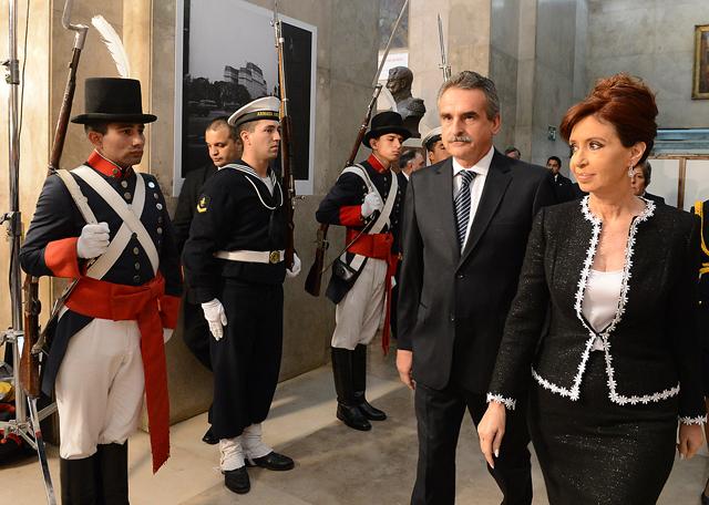 """Ante los jefes militares, Cristina dijo que """"el país es agredido"""" - Foto: Presidencia"""