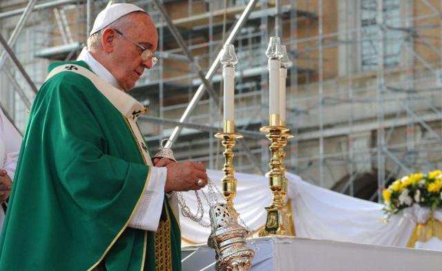 "Francisco pidió ""protección internacional"" para miles de cristianos perseguidos en Irak"