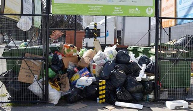 300 toneladas de basura en las calles movilizaron una protesta popular y gremial en Esquel