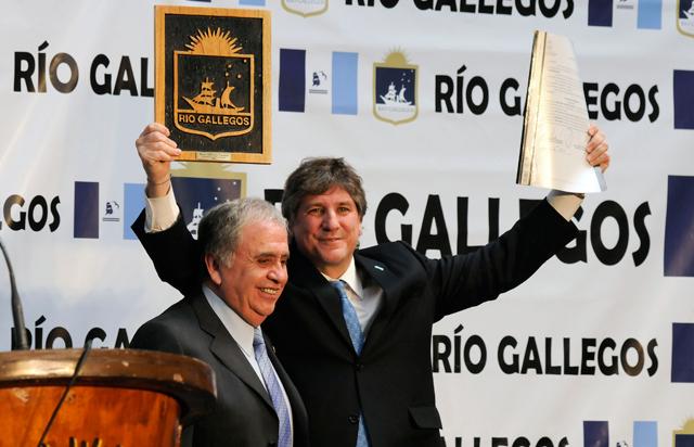 El Intendente de Río Gallegos, Raúl Cantín junto a Amado Boudou - Foto: OPI Santa Cruz/Francisco Muñoz