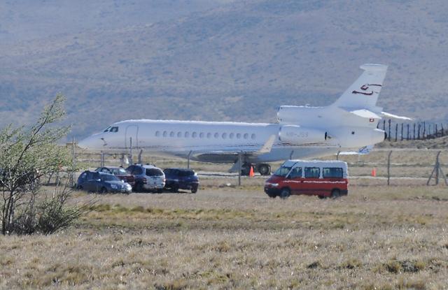El avión de bandera Suiza HB-JSS esta mañana en el aeropuerto de Río Gallegos - Foto: OPI Santa Cruz/Francisco Muñoz