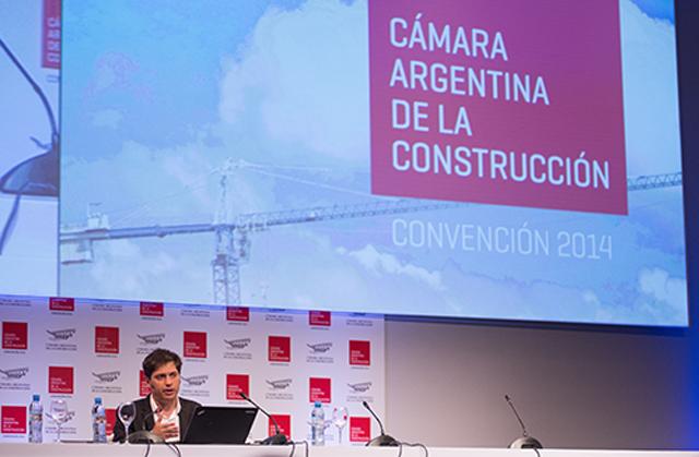 Kicillof defendió el gasto público y la inversión en infraestructura