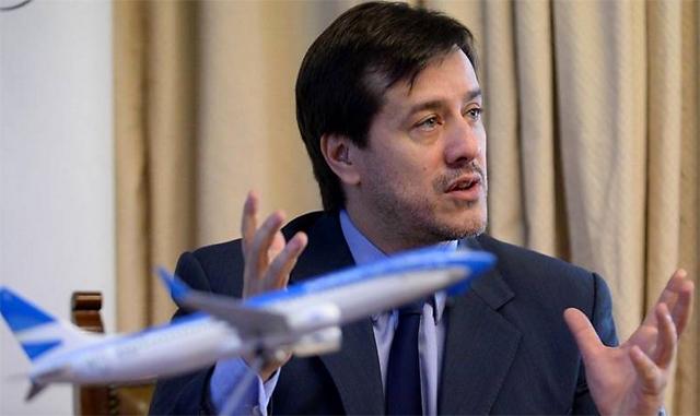 En un año y medio, Aerolíneas perdió casi mil millones de dólares