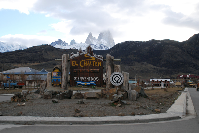 Rescataron al andinista de El Chaltén, pero no así al cuerpo del piloto del Robinson 44