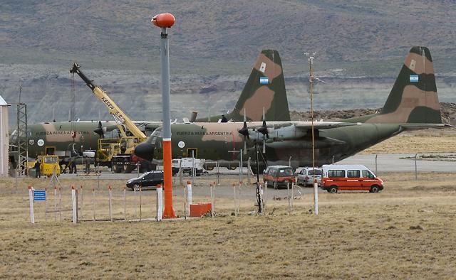 Está suspendido el puente aéreo con Marambio. Los Hércules se reparan en pista - Foto: OPI Santa Cruz/Francisco Muñoz