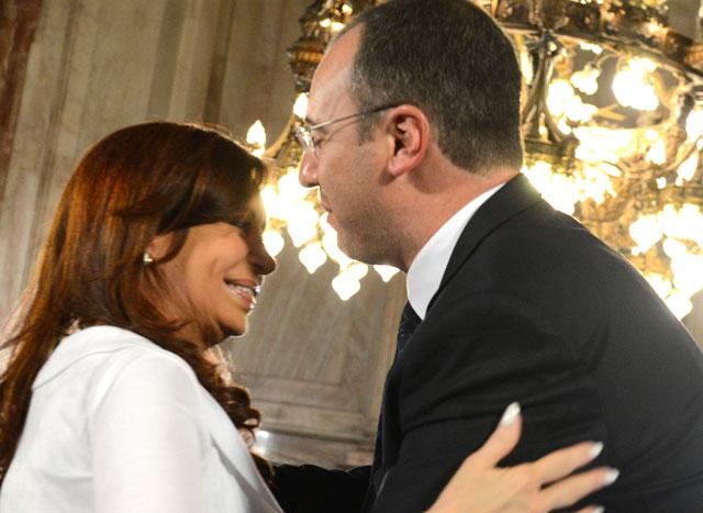 Cristina homenajeó en el Senado al cirujano que la operó