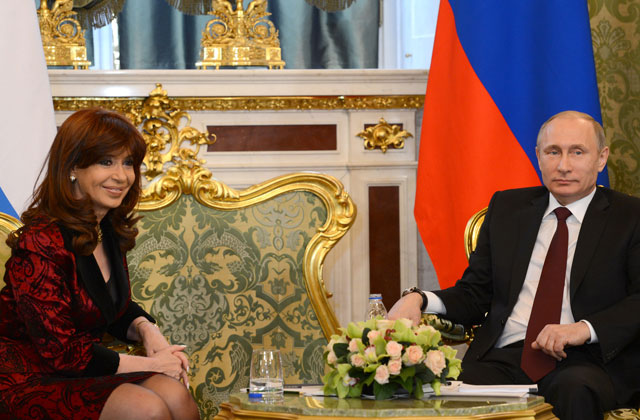 Con reclamos, Putin recibió a la Presidenta