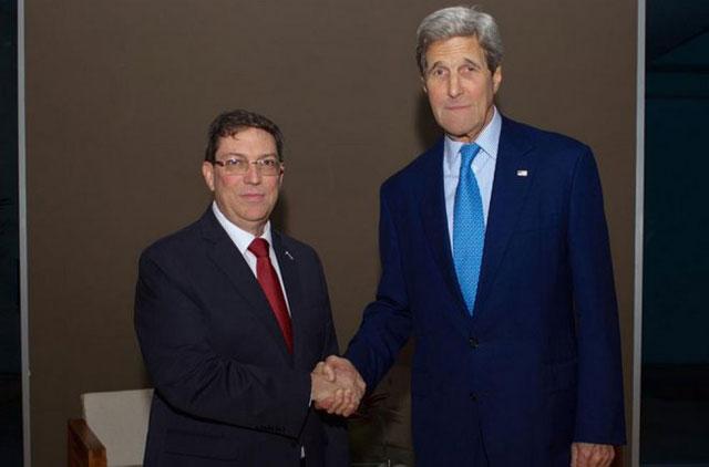 A horas de la Cumbre de las Américas, Kerry se reunió con su par cubano Bruno Rodríguez