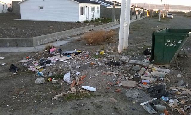 Basura en los barrios de El Calafate - Foto: OPI Santa Cruz