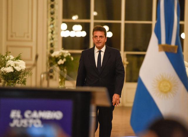 Massa ratificó su candidatura presidencial y admitió errores