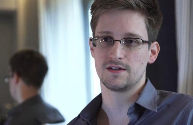 La Presidenta mantuvo una reunión secreta con Snowden en Rusia