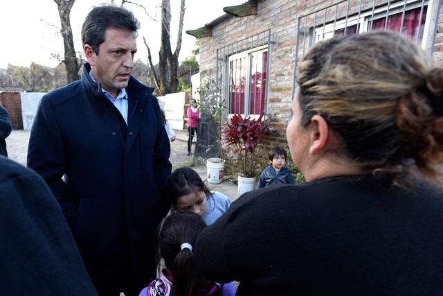 """Massa: """"Queremos a las fuerzas armadas acompañando nuestras fuerzas de seguridad en los barrios"""""""