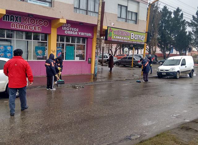 Gestión Grasso: ayer ingresaron monotributistas para limpieza de calles y habilitó fondos para la pauta oficial