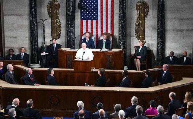 """El papa Francisco en el Capitolio: """"Ninguna religión es inmune al extremismo ideológico"""""""