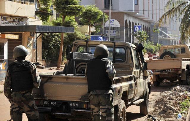 Terror en Mali: los terroristas sólo liberan a los rehenes que reciten el Corán en árabe