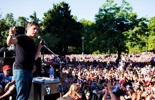 Kicillof volvió a un acto con críticas a Macri