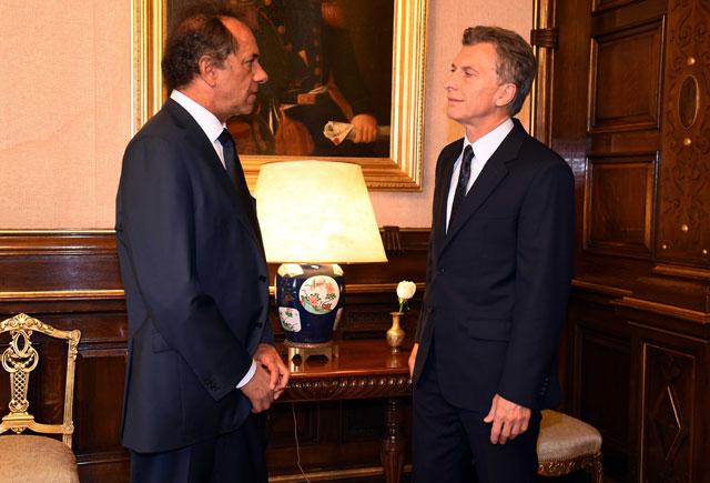 """Tras la reunión con Macri, Scioli dijo que tendrá """"un espíritu de colaboración"""""""