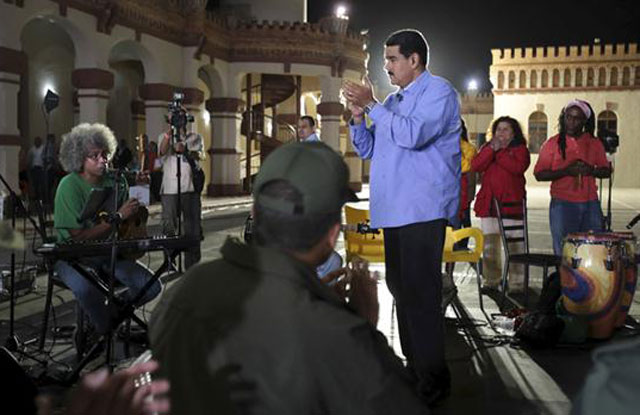 Tras la debacle electoral, Maduro contraataca y amenaza a la oposición