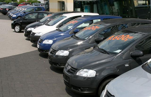 La venta de autos usados retrocedió 11% en febrero