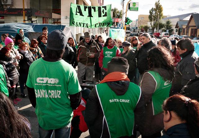 Río Gallegos convulsionada por reclamos