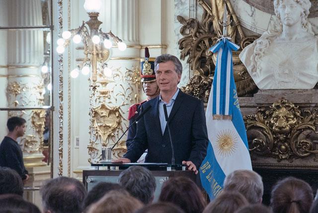 Macri fue imputado por sociedades offshore y se presenta ante la Justicia
