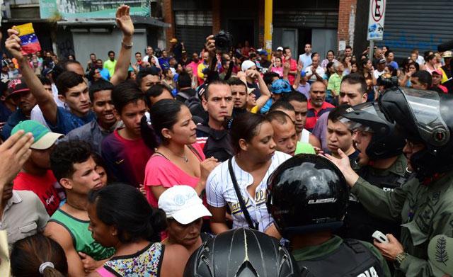 Escasez en Venezuela: militares robaron alimentos y desataron el caos en Caracas
