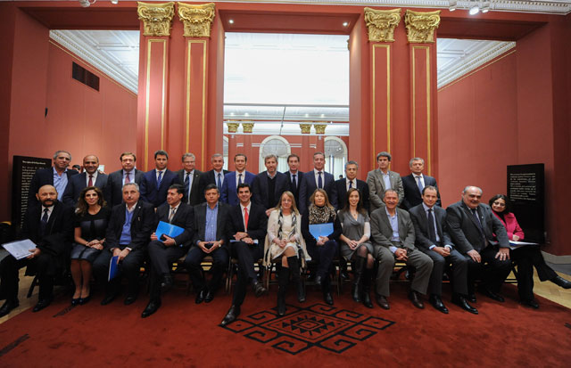 El Gobierno y las provincias pactaron la devolución de fondos