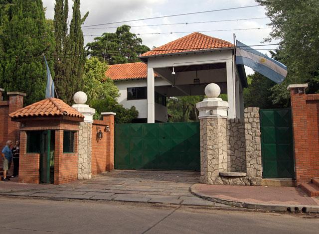 El registro de ingresos a la quinta de Olivos está plagado de irregularidades