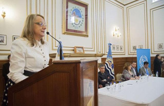 Alicia Kirchner (ahora) no quiere mala praxis en la obra pública