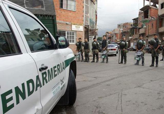 Megaoperativo antidrogas en la villa 1-11-14 y La Matanza: diez detenidos y cocaína, marihuana, armas y dinero incautados