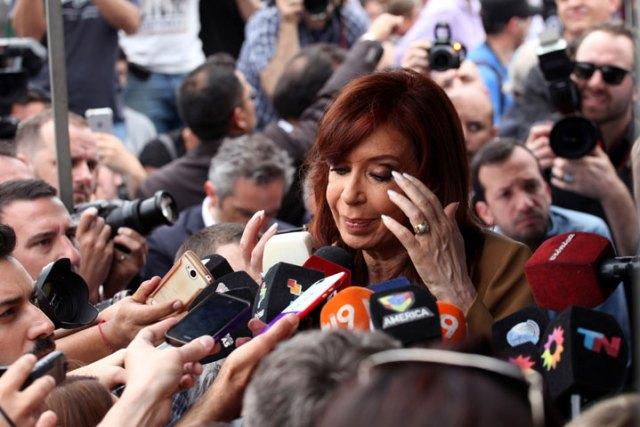 Cristina denunció una persecución y dijo que Báez no es su socio ni su amigo