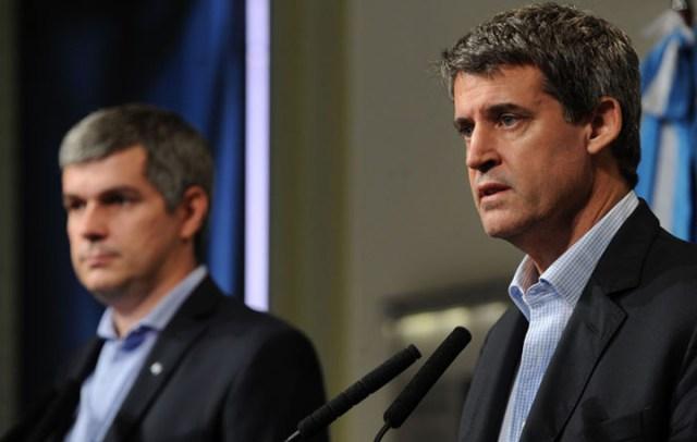 Le pidieron la renuncia a Alfonso Prat-Gay: dividen el ministerio y asumen Nicolás Dujovne y Luis Caputo