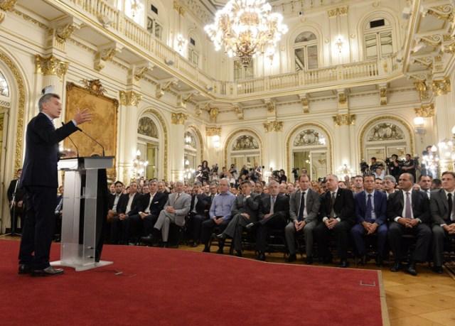 """Macri pidió """"convicción"""" a sus ministros y repasó la """"agenda social"""""""