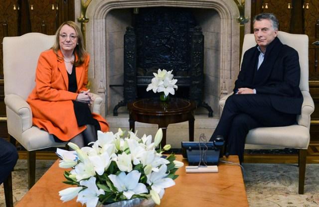 El presidente Mauricio Macri recibió a Alicia Kirchner en la Casa Rosada – Foto: Presidencia