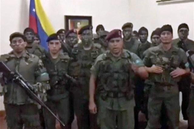 Un frustrado asalto militar en un cuartel eleva la tensión en Venezuela