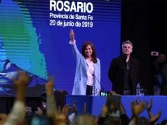 """Denuncian que Cristina Kirchner es la """"socia oculta"""" de una empresa que digitaliza documentos públicos"""