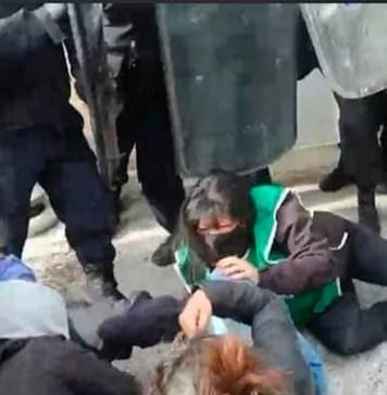 Represión en Las Heras - Foto