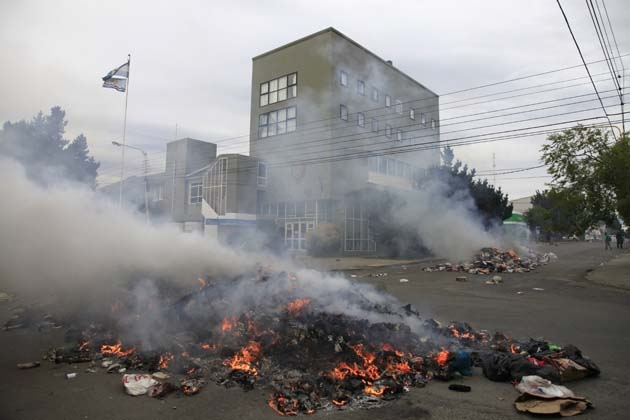 Situación frente a la Legislatura provincial esta mañana. Foto: OPI Santa Cruz